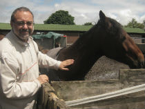 Image of Steve Manning with horse.